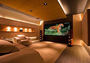 Inspirações em MDF para quem quer montar um cinema em casa